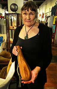 Jacque Hastings, carver, Whangarei, NZ.